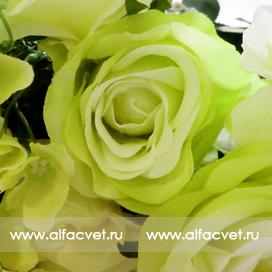 букет роз с добавкой фиалка цвета салатовый 39