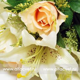 розы и лилии цвета белый с желтым 13