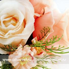 букет роз с добавкой цвета чайный 3