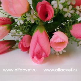 букет тюльпанов с добавкой травка-ромашка цвета розовый 5